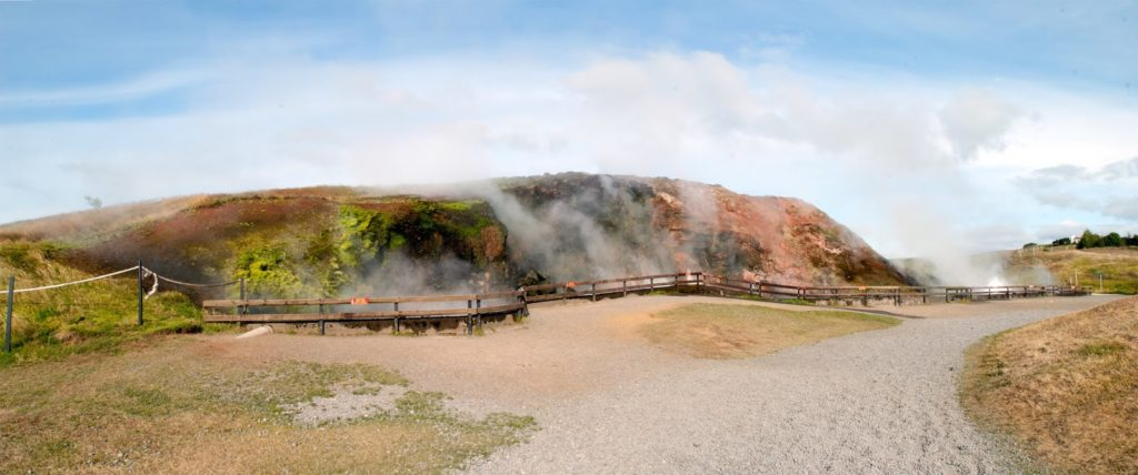 Volcanoes, waterfalls and delighful museums in Borgarnes