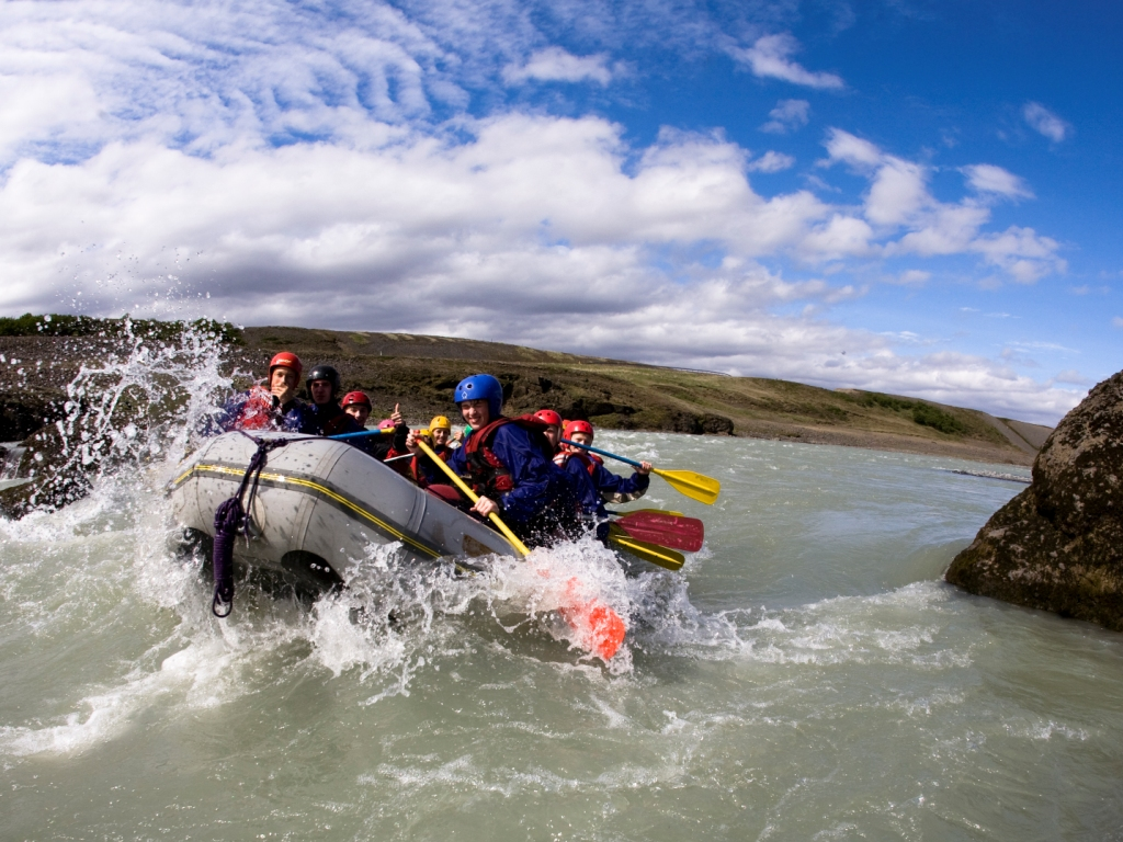What to do in Iceland - Diving, snorkelling, surfing, fishing...?