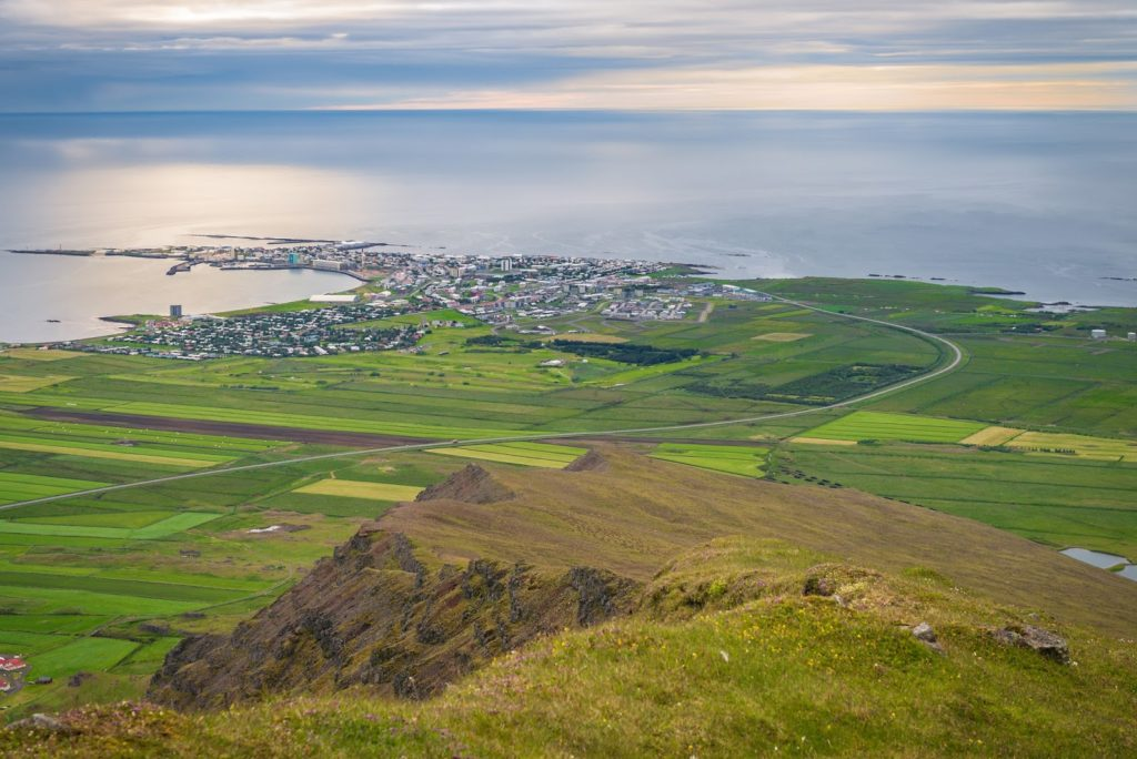 What to do between Reykjavík and Akureyri? Travel Guide