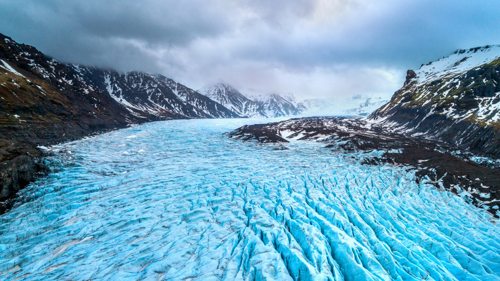 Skaftafell glacier at Vatnajökull National Park is a must on any 5-day winter itinerary in Iceland