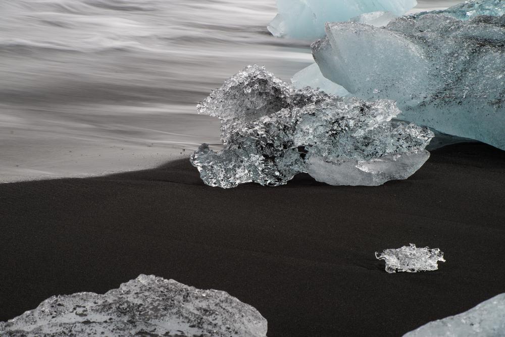 """An icy """"diamond"""" on Iceland's Diamond Beach"""