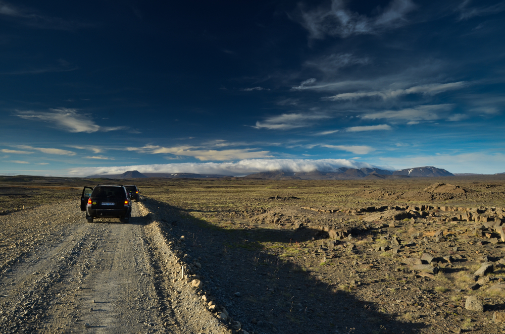 Gravel roads need Iceland car rental insurance